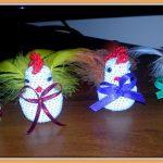 Dekoracje Wielkanocne – wstążkowe pisanki i szydełkowe kurczaczki