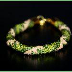 Wężowa bransoletka trójkolorowa – desperackie przywoływanie wiosny