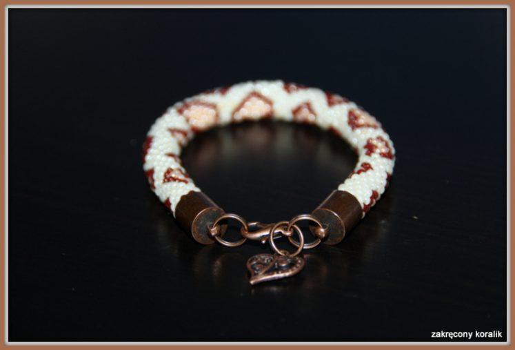 Łaciata wężowa bransoletka