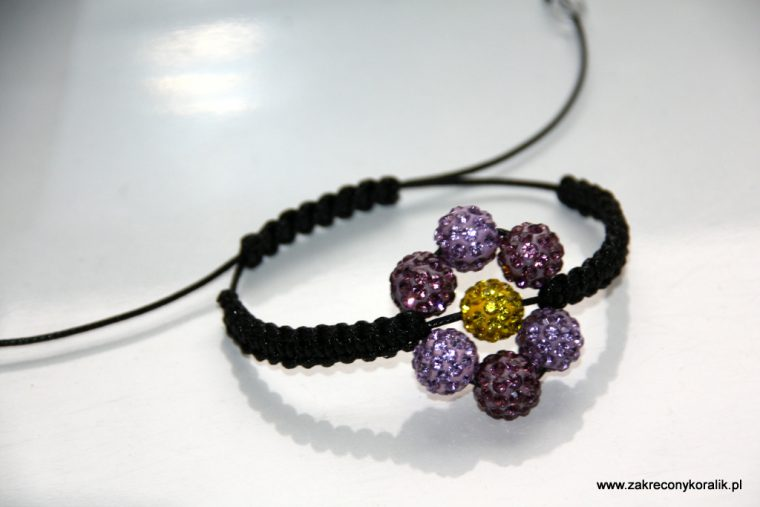 Kwiatowa bransoletka z Shamballa 10