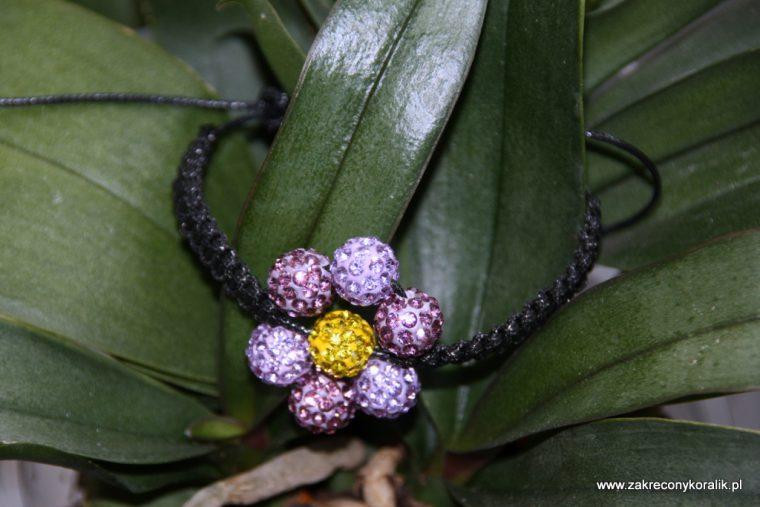 Kwiatowa bransoletka z Shamballa 3