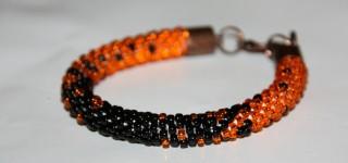 Cieniowana biżuteria z koralików pomarańczowo – czarna