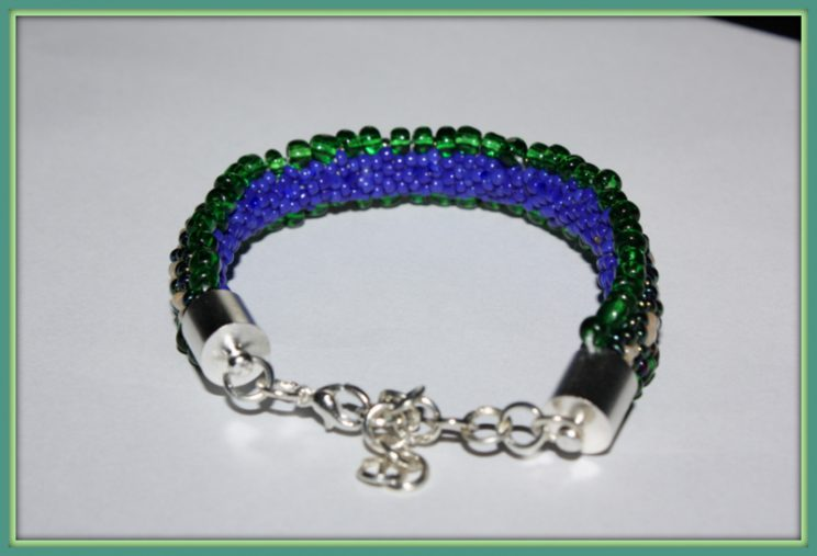 Bransoletka zielono-niebieską Gąsieniczka 026